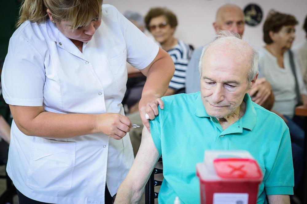 Vacunación a mayores de 70 años. Imagen tomada de buenosaires.gob.ar