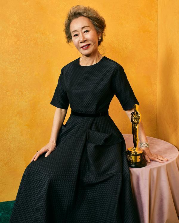 Yuh-Jung (tomada de Twitter de The Academy)