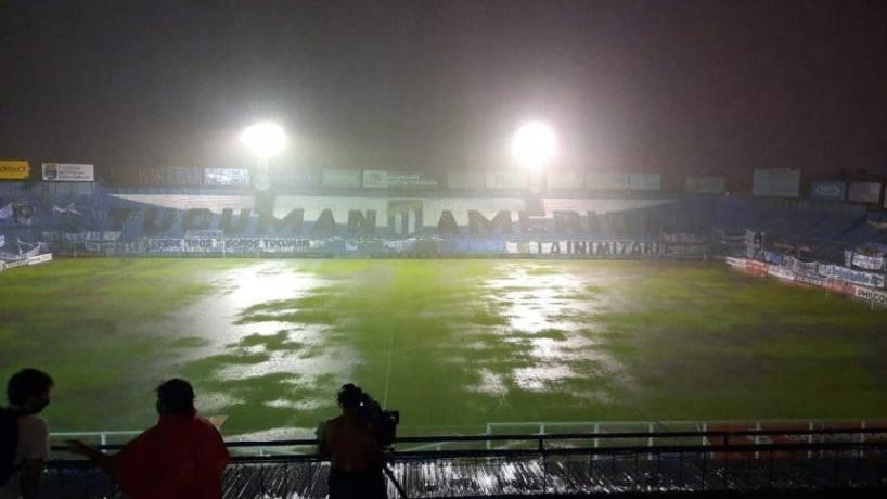 Estadio Jose Fierro inundado